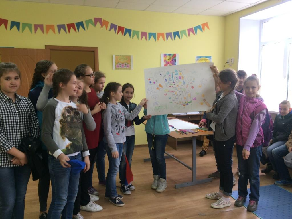На базе Детской школы искусств имени А. А. Алябьева открыл свою работу летний оздоровительный лагерь с дневным пребыванием детей «Творческий калейдоскоп»