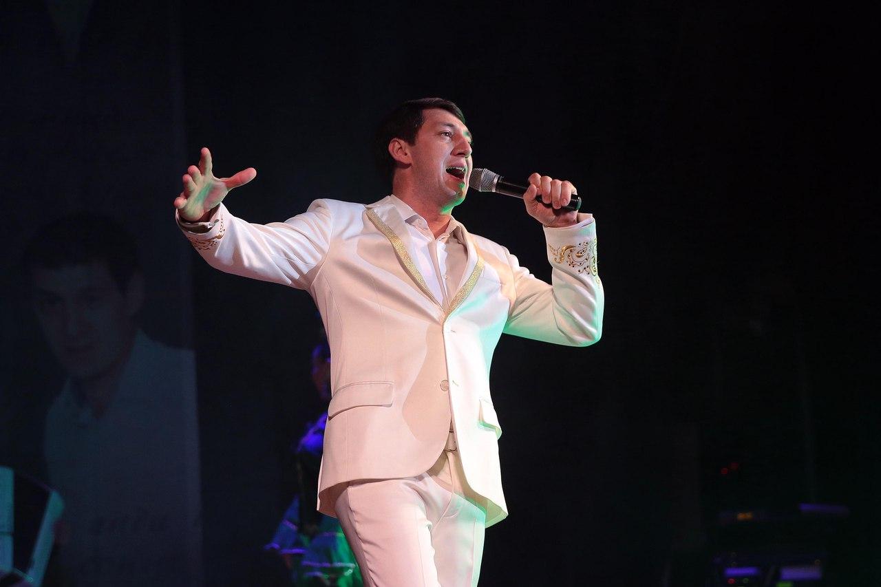 Фирдус Тямаев дал второй концерт в ДК «Синтез»