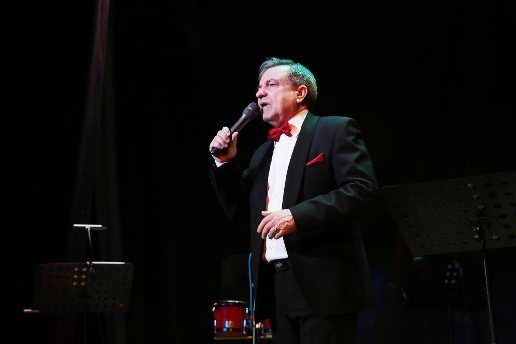 Владимир Мишарин дал юбилейный концерт под названием «Береги любовь!»